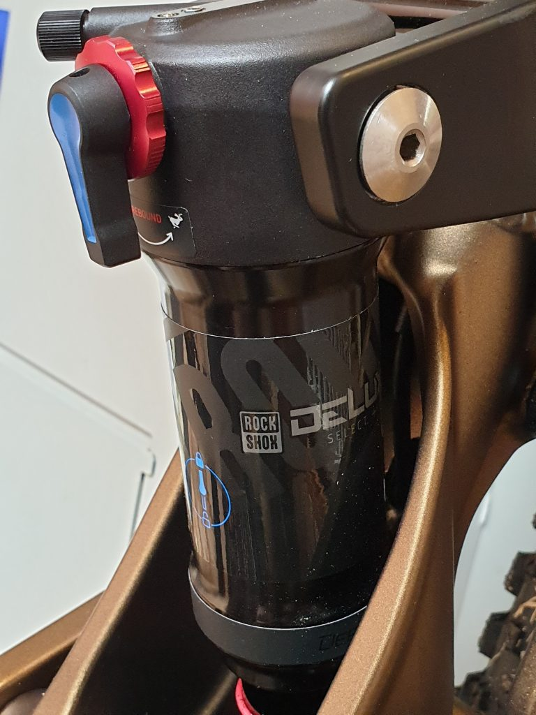 Frey EX Rock Shox rear